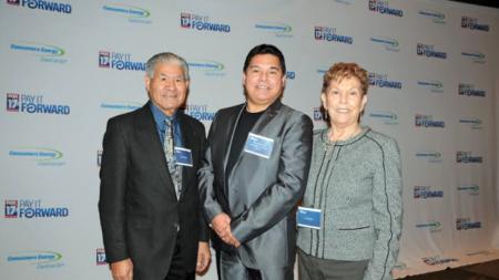 FOX 17 y Consumer's Energy reconocen a personas haciendo un impacto en West MI