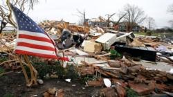 Tormentas y tornados dejan al menos 3 muertos en el Medio Oeste