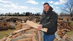 "R Family Tree Service: ""Un negocio de corte de árboles profesional"""