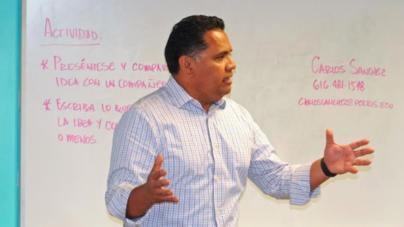 Hispanos deseando ser emprendedores toman primer paso
