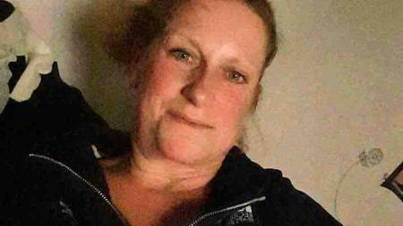 Policía encuentra a mujer muerte afuera de casa en Grand Rapids