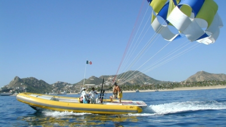 El joven y el paracaídas
