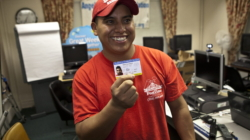 Chicago aprueba conceder tarjeta de identidad municipal para indocumentados