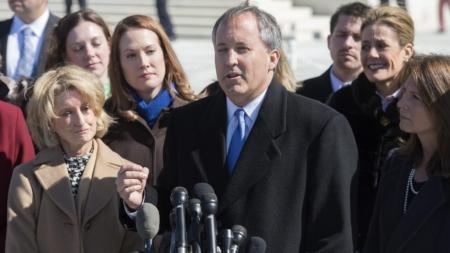 Texas demanda a Austin por sus políticas de protección a indocumentados