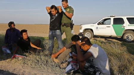Baja en abril la cifra de inmigrantes que cruza frontera entre EEUU y México