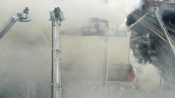 Más de 250 bomberos sofocan un incendio que deja 15 heridos en Nueva York