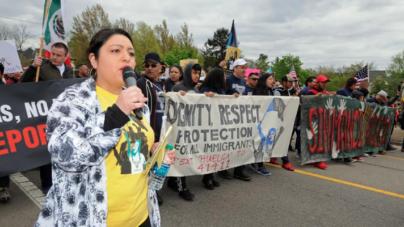 """Residentes participaron en marcha en """"Un Día Sin Inmigrantes"""""""
