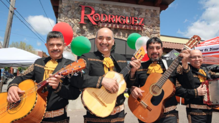 Celebración 5 de mayo de Rodríguez Supermarket atrajo a cientos