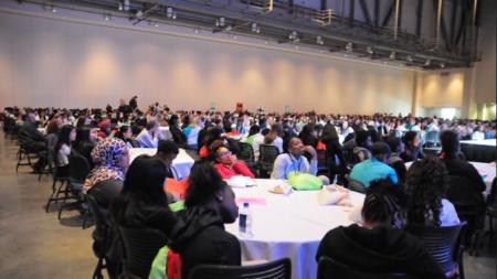 Cumbre anima a la juventud a vivir por encima de las influencias negativas