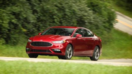 2017 Ford Fusion hibrido. Prueba de manejo
