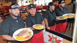 """Los Comales: """"Buena comida, buena gente, buen servicio"""""""