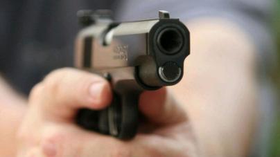 Justifican a policía por disparar contra Joven