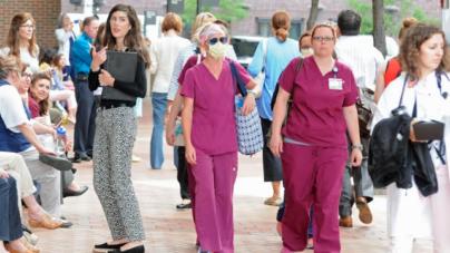 Evacuan centro ambulatorio en hospital Helen DeVos por olor extraño
