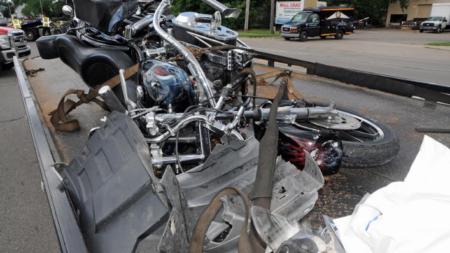 Muere mujer en accidente de motocicleta