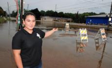Inundación ocasiona cierre de avenida Clyde Park en Wyoming