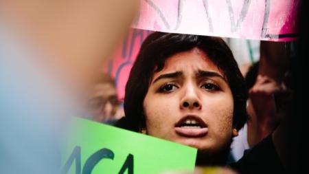 Jóvenes soñadores defienden en Nueva York la permanencia del DACA