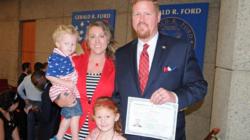 Integrante de Metro Health entre nuevos ciudadanos americanos