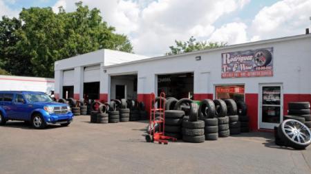 """Rodríguez Tire & Wheel: """"Un taller capacitado y honesto"""""""