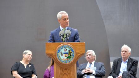 """Alcalde de Chicago pide al estado """"carta de derechos"""" para """"soñadores"""""""