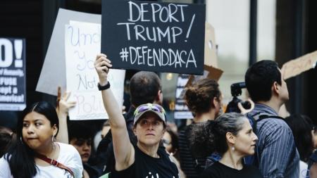 """Liberan a los diez """"soñadores"""" tras varias horas detenidos en Texas"""