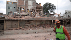 """Pasarán """"semanas o meses"""" para dar techo a damnificados por sismos en México"""