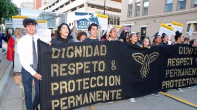 Cientos marchan en protesta de fin de programa DACA