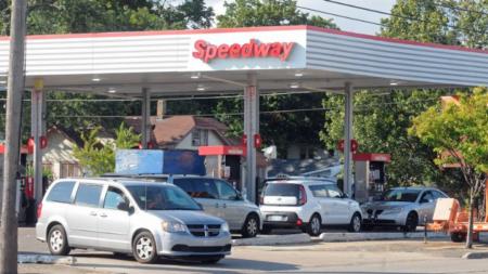 Precio de gasolina sube después de huracán Harvey