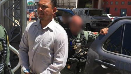 ICE deporta asesino buscado por policía mexicana