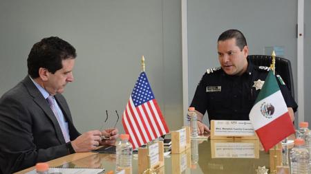 Policía mexicana y FBI crearán fuerza para combatir delitos de alto impacto