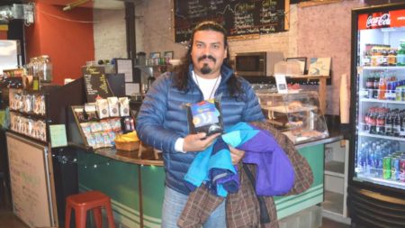 Mayan Buzz Café ayudando a los necesitados