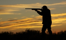 Reducen cargo a cazador que mató a adolescente