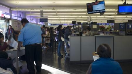 Casi un millón de indocumentados obtuvieron licencia de manejo en California