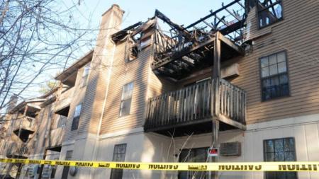 Tres heridos por fuego en apartamentos York Creek
