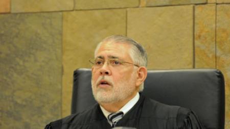 Hombre que falló reportar un cuerpo muerto apareció en corte