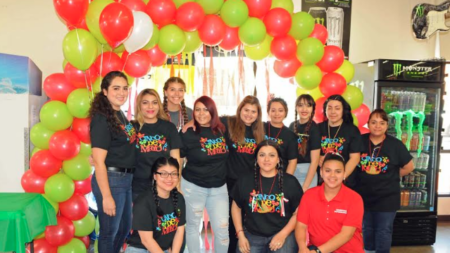"""Rodríguez Supermarket consiente a su clientela en fiesta """"Cinco de Mayo"""""""