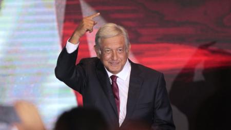 López Obrador habla con Trump sobre reducir migración impulsando desarrollo