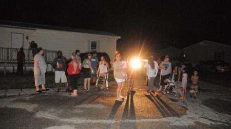 El Informador aboga por residentes de complejo de tráileres sin luz