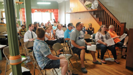 Residentes reaccionan sobre el futuro de marihuana en Michigan