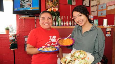 """Tacos El Cuñado: """"Tacos deliciosos y auténticos mexicanos"""""""