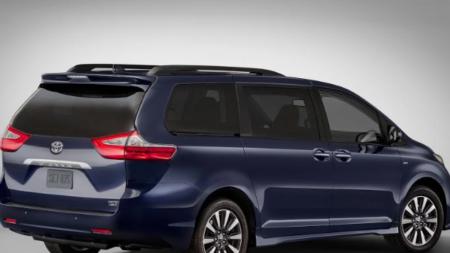 Toyota Sienna: Excelente para una excursión familiar.