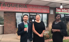 Miembros de West Michigan Hispanic Chamber of Commerce  con propietaria de Taquería El Rincón Mexicano