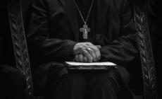 Retiran a Sacerdote de Lansing por presunto asalto sexual en Kalamazoo