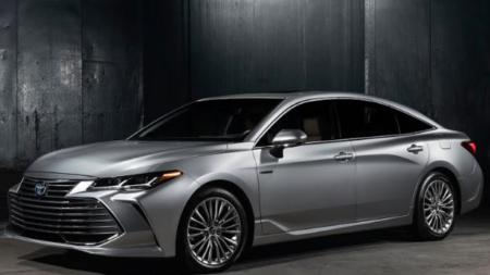 Toyota Avalon: Buenos argumentos para comprar un híbrido.