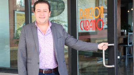 """Restaurante """"Danzón Cubano"""" abre sus puertas"""