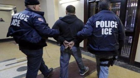 Sin récord criminal más de la mitad de detenidos por ICE, dice reporte