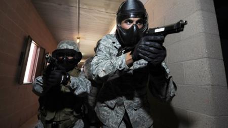 Enmascarados y armados asaltan a inquilino