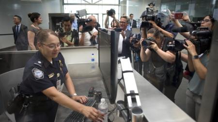 El cierre del Gobierno deja a las puertas de la deportación a inmigrantes