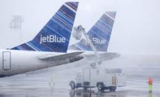 Tres muertos y más de un millar de vuelos cancelados en EE.UU. por tormenta