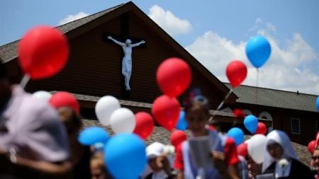 Demandan en Texas a sacerdote y a la Arquidiócesis de Galveston-Houston