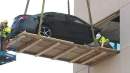 Hospital usa coche como nuevo método de rehabilitación